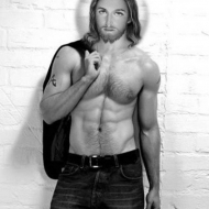 10 Signs That the New Hottie You're Dating May Be Jesus