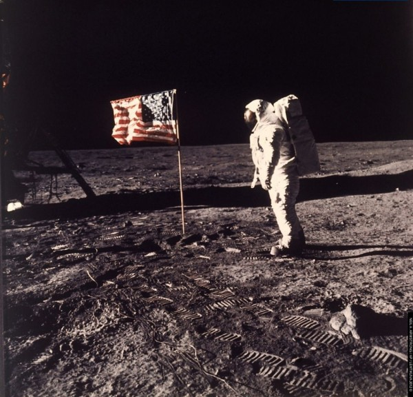 neil-armstrong-caption-600x576