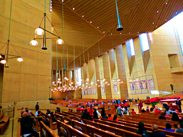 cathederal of our lady of the angels angles los angeles interior christmas eve mass