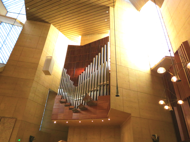 cathederal of our lady of the angels angles los angeles organ christmas eve mass