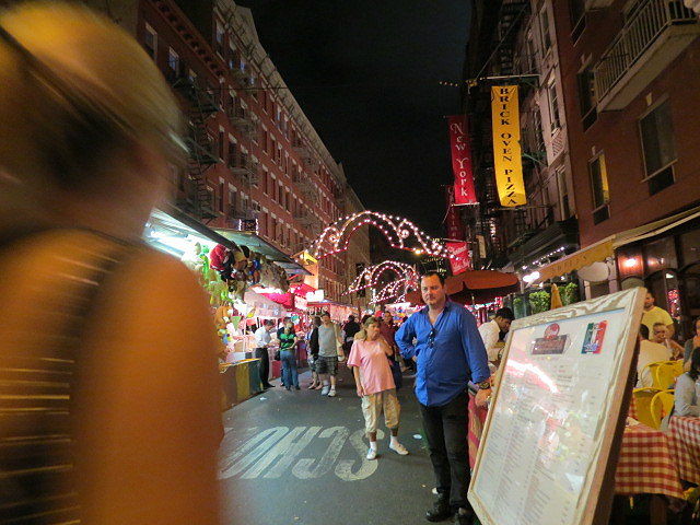 Post image for Scenes from the Feast of San Gennaro – NYC – Mulberry Street [PHOTOS]