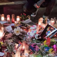 Thumbnail image for Where I Stand – Bowie Bids Farewell – Hollywood Blvd