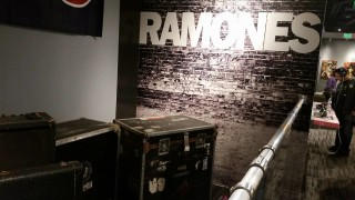 ramonesclothinginstruments_06